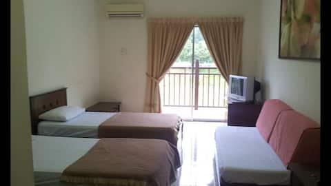 Homestay Suria Apartment, Bukit Merah Laketown