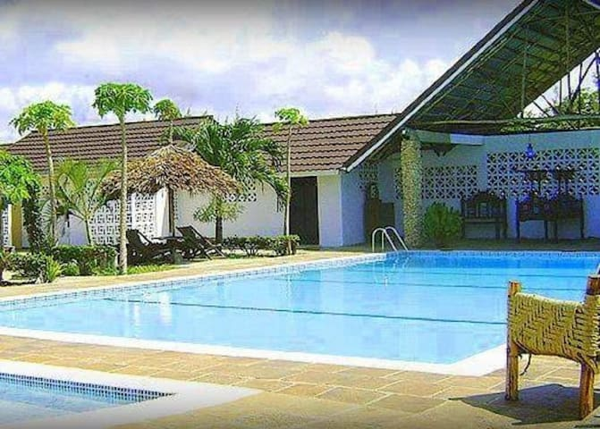 Southern Cottages (Best Host,Coast 2 Coast) - Diani Beach - Apartamento