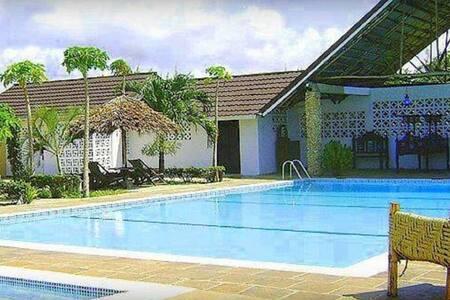 Southern Cottages (Best Host,Coast 2 Coast) - Diani Beach