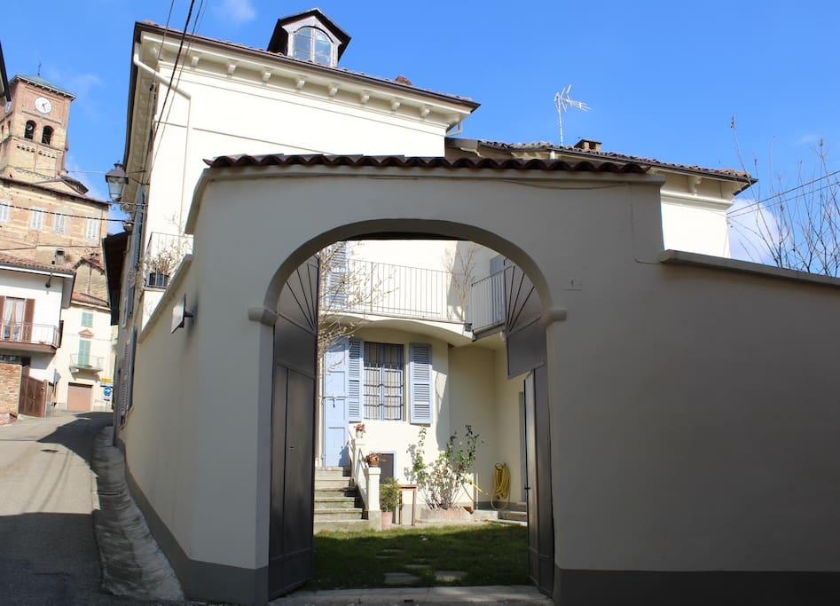 la casa e il borgo