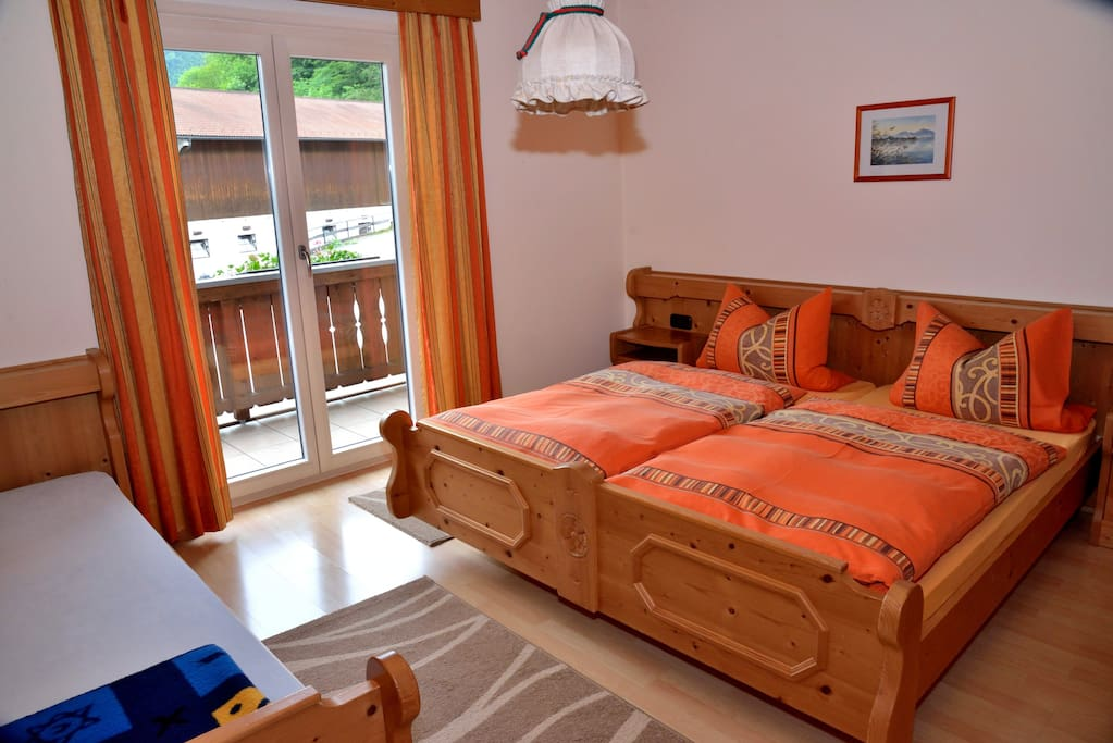 Wohnung 1    50qm        Schlafzimmer