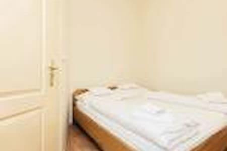 Economy Double room  - Budapest - Bed & Breakfast