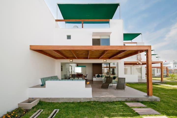 Beach House in ASIA - Lima, Perú