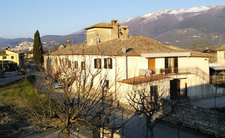 Flat in Italian Farmhouse - TREVI - Pis