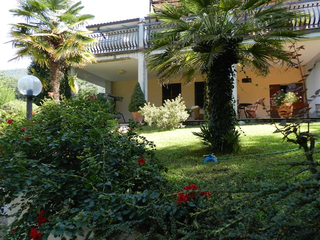 B&B Villa Maria relax e confort - Terni - Bed & Breakfast