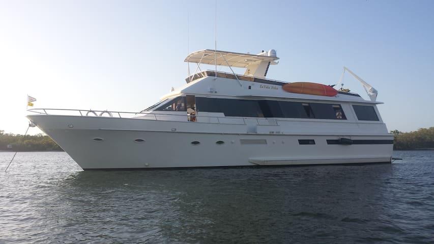 72 Ft YACHT - LaVida Dolce' - BnB - Palmetto - Boat