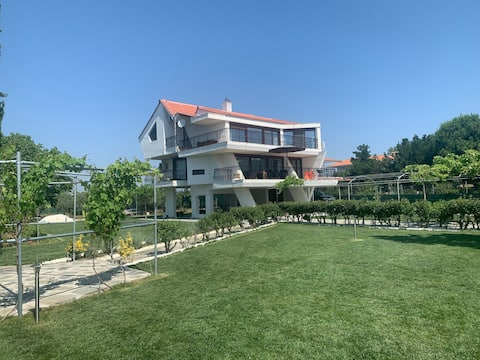 Villa IVIA