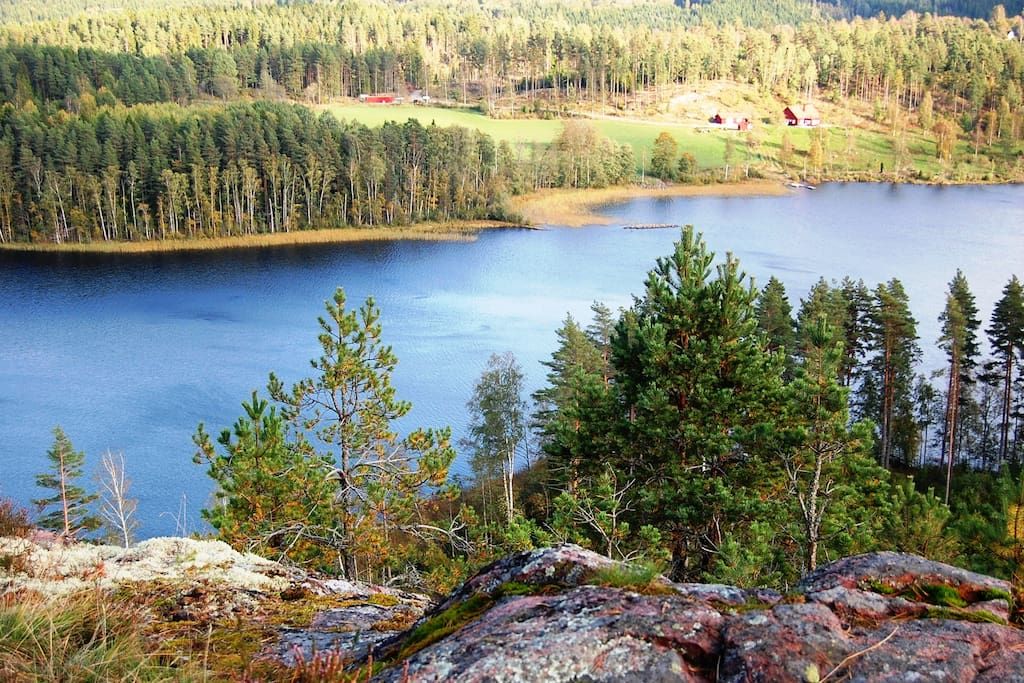The lake from Pukaberget, welcome to the Farmhouse