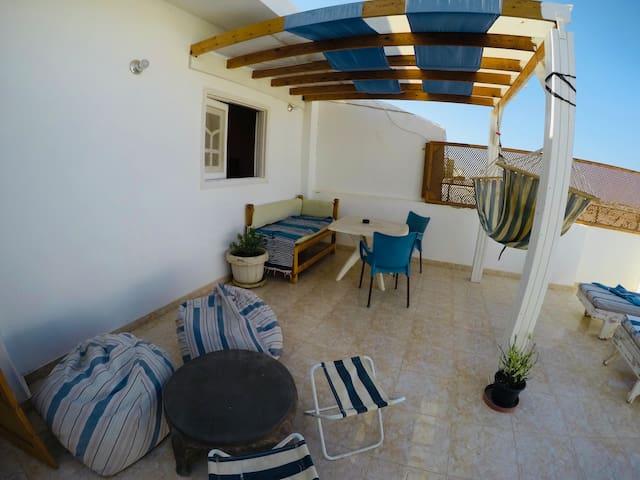 Surfer residences / Kilo 8 north Safaga