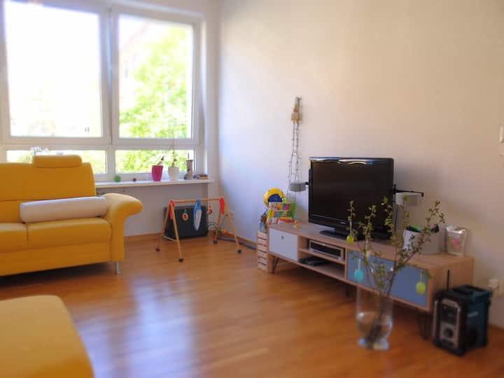 Schöne helle Wohnung im ruhigen grünen Berlin