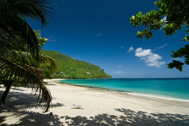 Two Bedrooms Ocean and Beach View - Bequia - Apartemen