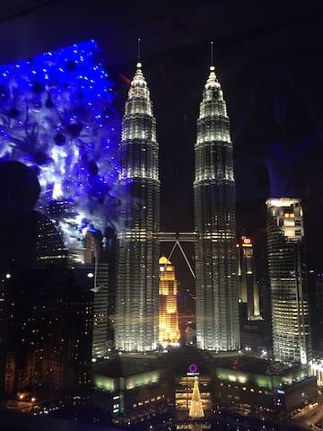 5 min walk to KLCC 双子塔步行五分钟 - Kuala Lumpur
