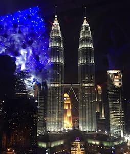 5 min walk to KLCC 双子塔步行五分钟 - Kuala Lumpur - Huoneisto