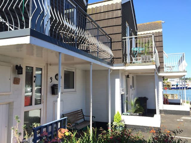 Anchor Cottage - Waterside - IOW - East Cowes