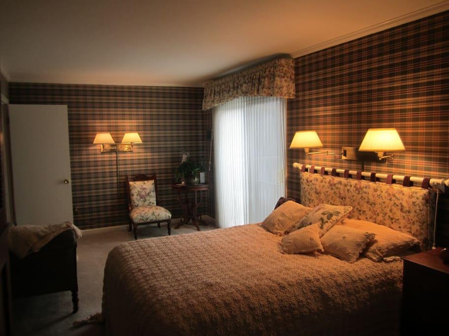 Queensize Select Comfort bed in Plaid Room.