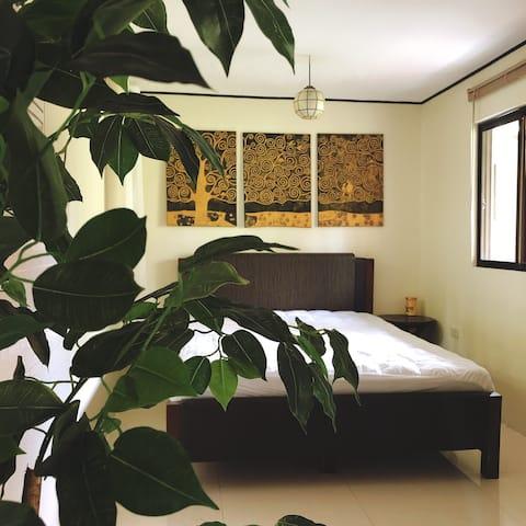 Little Ajumma's Bed and Breakfast | Room 5