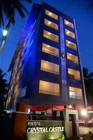 1Bhk Modern flat at Kinnigoli @ Crystal Castle - Kinnigoli - Huoneisto