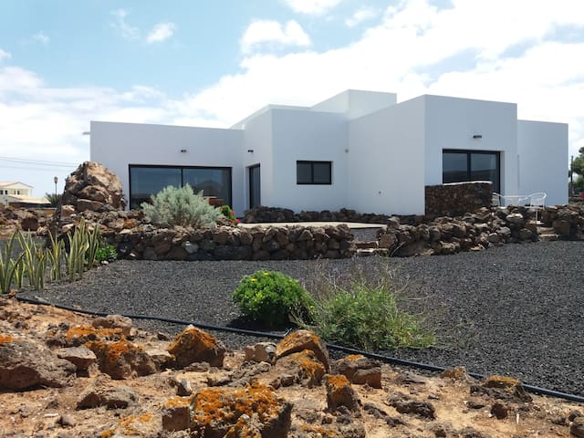 Guest house/ room with private ensuite & terrace