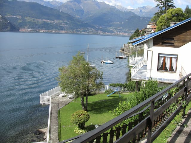 Villa Miki directly on lake Como
