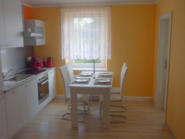 Ferienwohnung in einem Gästehaus - Lichtenhain - Appartamento