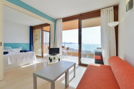 Great Sea View in Playa d'en Bossa! - Sant Josep de sa Talaia - Wohnung