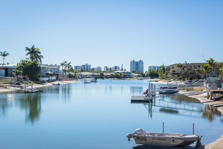 Mooloolaba Waterfront Relaxation