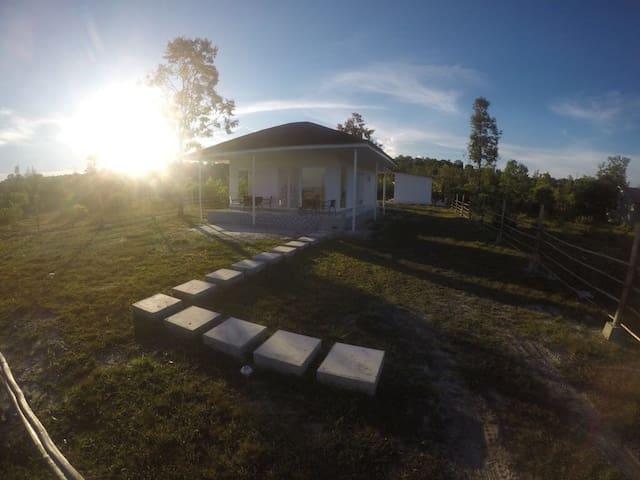 Brand new villa Samboja, Borneo
