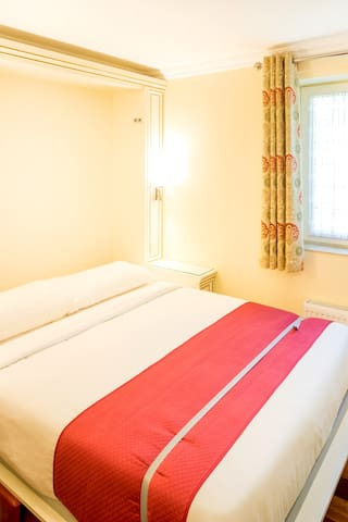 Compact Double Room at Linton Hotel