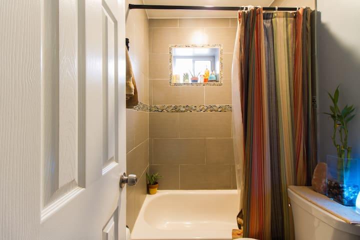 Bathroom - Non GMO - Organic Soap and Shampoo/Conditioner Provided