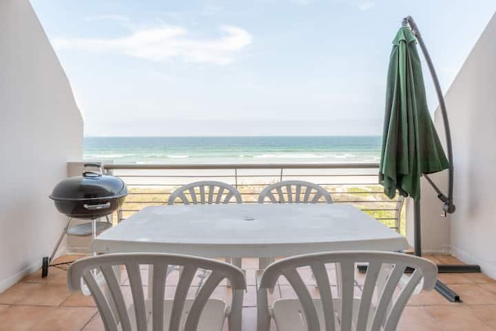325 Leisure Bay Beachfront Apartment. Cape Town