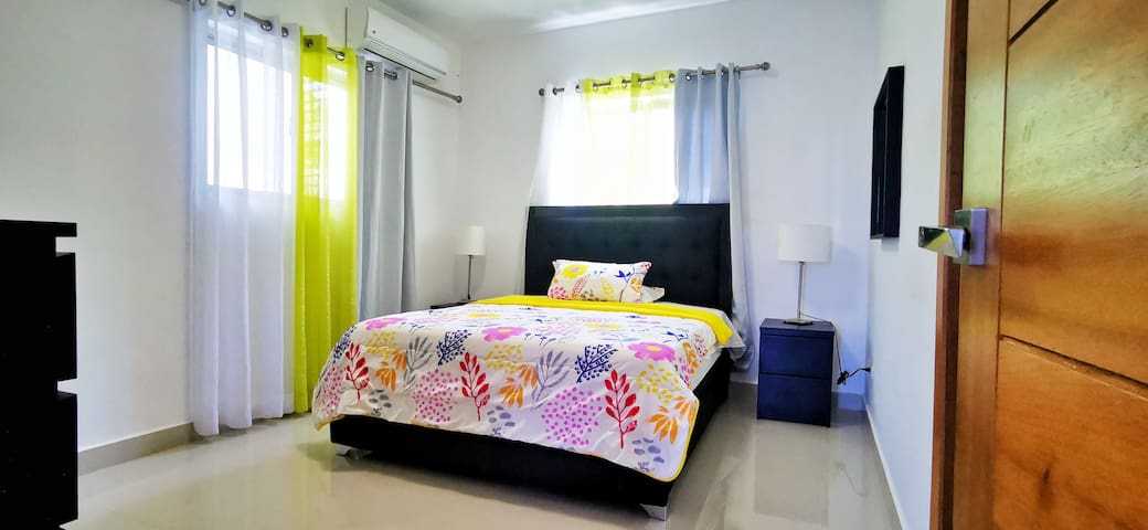 Cozy 1bdr Condo! Free Airport Taxi for 7night stay