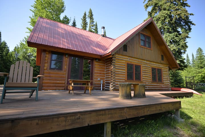 Wolf Track Den, Cozy Grand Marais Log Cabin - Grand Marais - Cabin