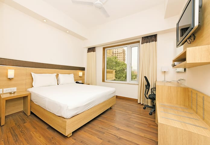 Well furnished Deluxe Room