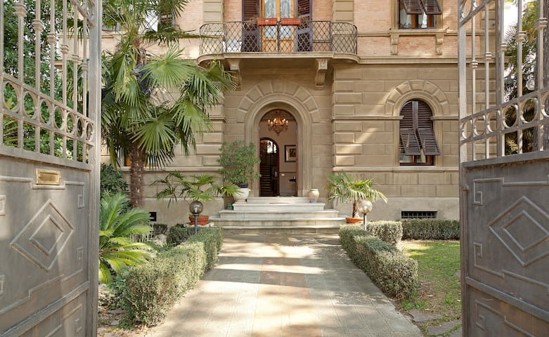 Cosetta Guest House - Attico room - Certaldo - Rumah