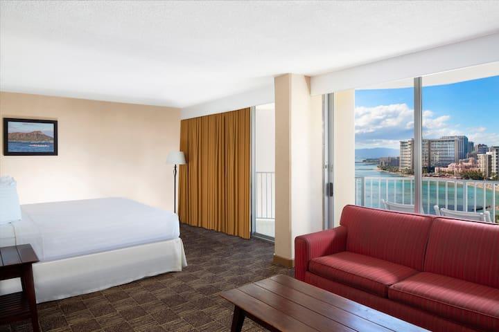 Aston Waikiki Beach Hotel, 3-Bedroom Suite