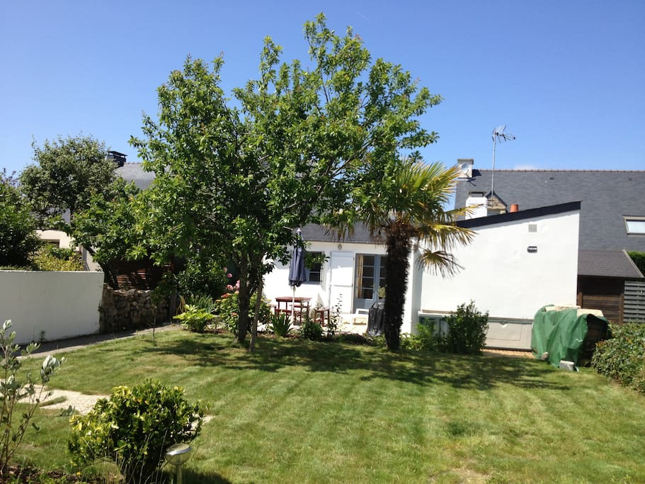 Maison avec jardin au calme houses for rent in carnac for Au jardin guest house welkom