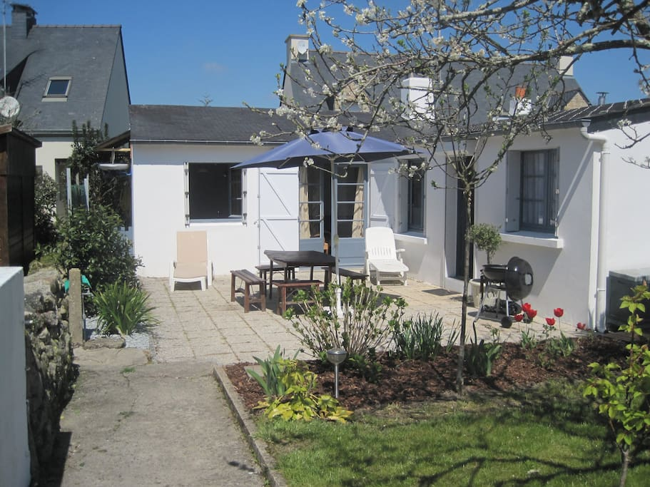 Maison avec jardin au calme houses for rent in carnac for Au jardin guest house