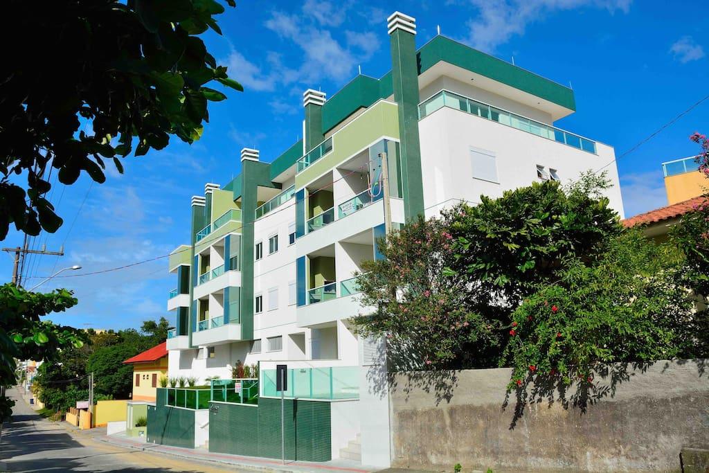 Residencial Luana - Rua Salema, 136 - Praia de Bombinhas - SC - Brasil