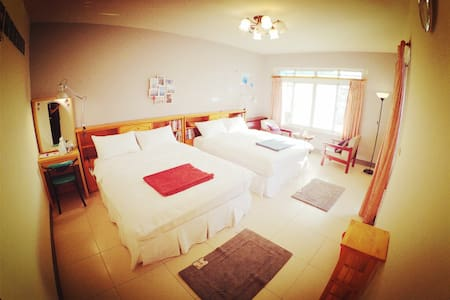 ~閱讀陽光~5 mins walk MRT Sta./ 2 Double Beds /Sunny - Zuoying District - Talo