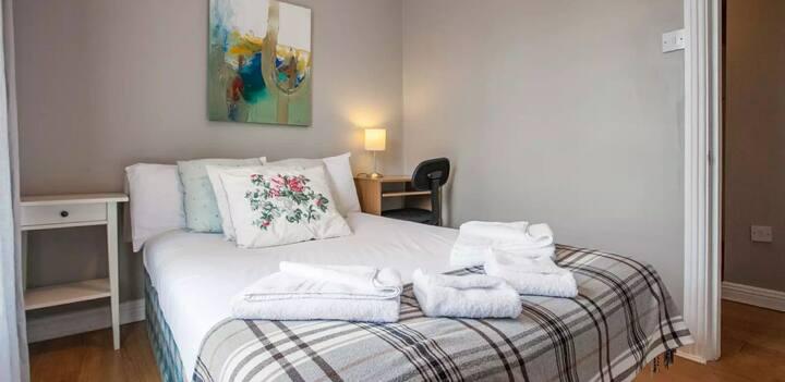 Private Bedroom in Birkenhead