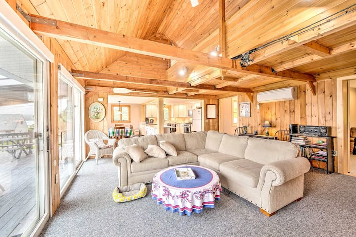 The home offers 3 bedrooms and 2 bathrooms, one of which was recently added!