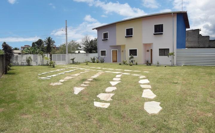 Aconchegante Sobrado no Porto Novo, em Caraguá