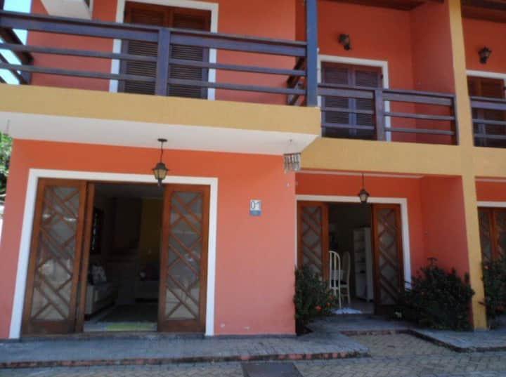 Casa Espaçosa em JUQUEHY Condomínio Fechado