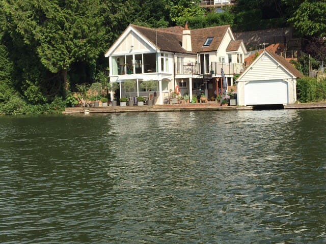 Riverside Boathouse with Private Mooring