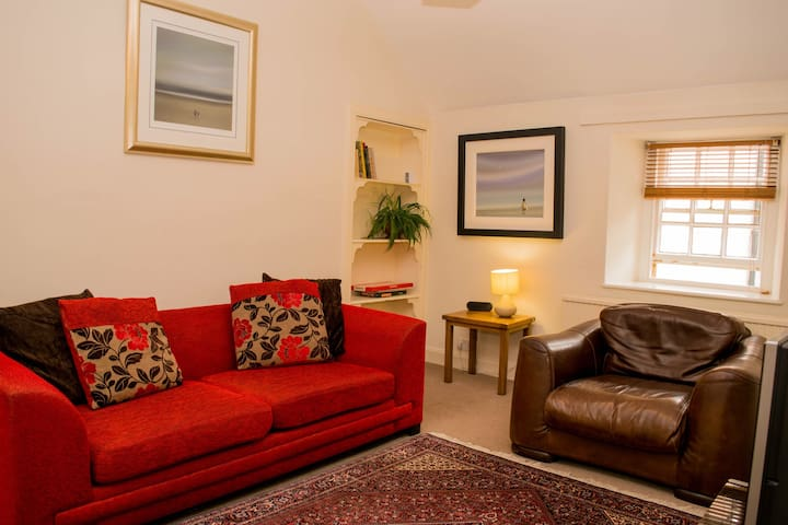 The Inn Apartment -  behind town sq - Kelso