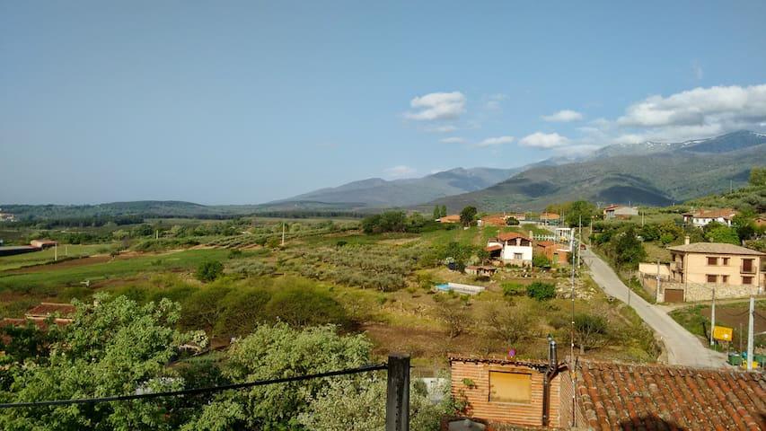 Apartamento - bonitas vistas Ladera Sur de Gredos - El Raso - Appartement