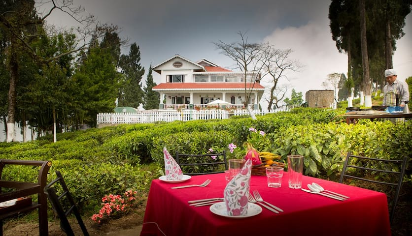 The Darjeeling Express | Sourenee Tea Estate - West Bengal - Bungalow