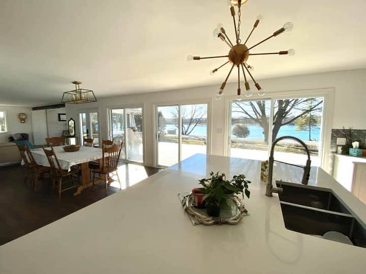 Waterfront Home on the Trent, Quinte West/Stirling