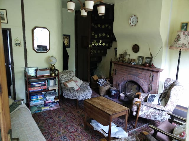 Quaint old cottage with log fire in Norfolk UK - Downham Market - Hus