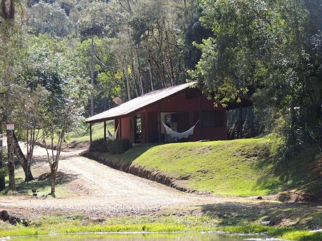 Casa do Lago aconchegante e tranquila